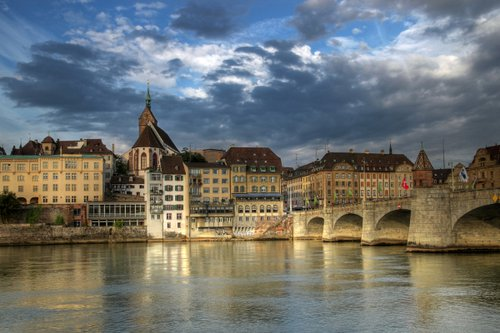 Specialist doctors and medical centres in Basel