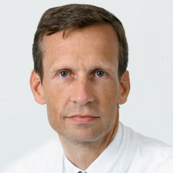 Specialist in Abdominal Surgery Prof Dr Wolfram T. Knoefel, FACS - Portrait