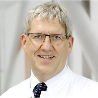 Prof. Dr Peter Kleine - Specialist in Thoracic Surgery - Portrait