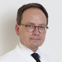 Specialist in Prevention / Diagnostics Professor Dr Uwe Nixdorff, F.E.S.C. - Portrait
